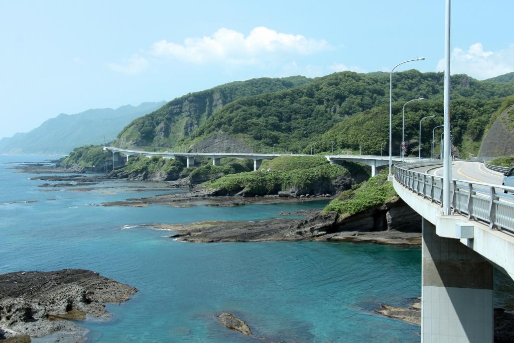 神恵内村祈石大橋
